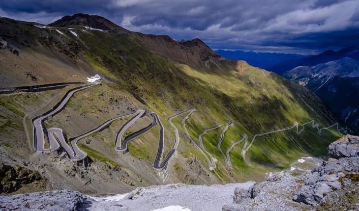 پرپیچ و خمترین جادههای جهان در کدام کشورها واقع شده اند؟