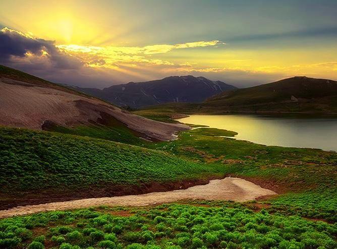 دریاچه دالامپر ارومیه، افسانهای که رمز بهشت است