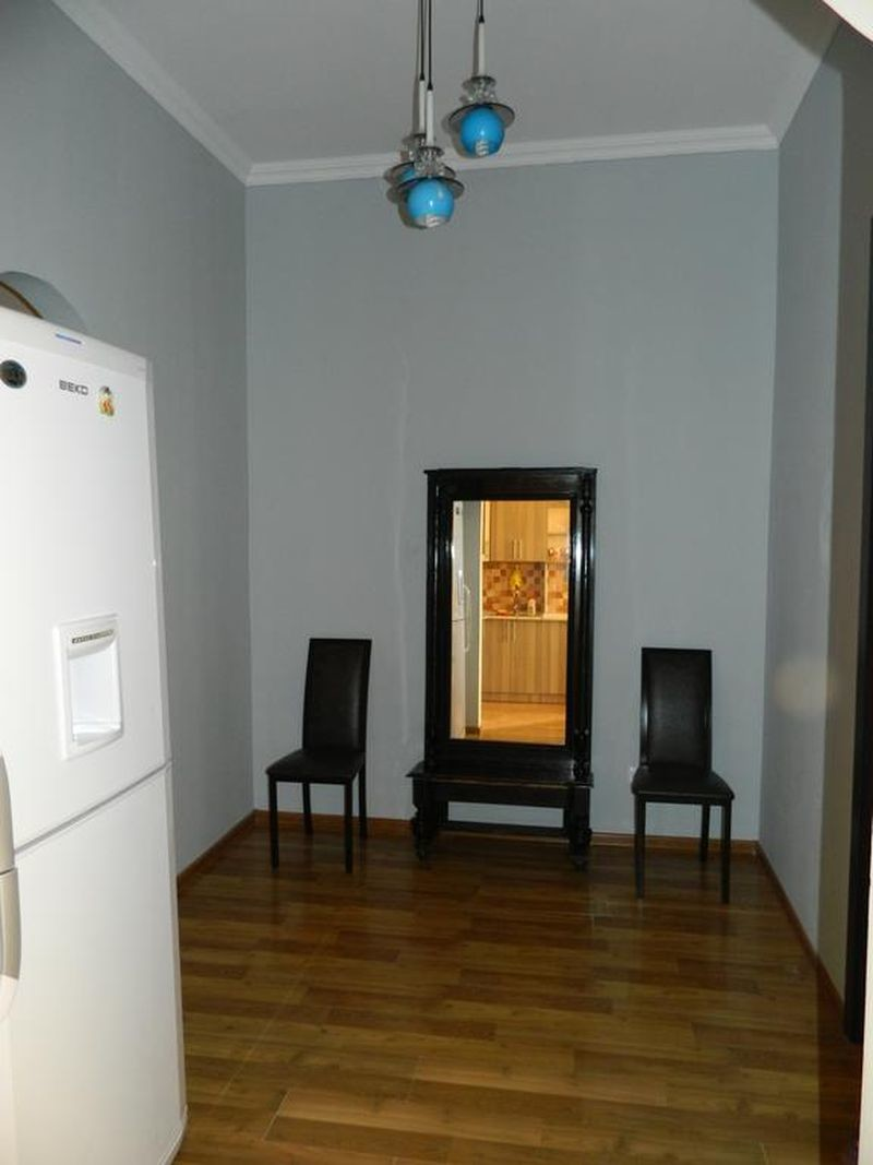 Apartment on Aleksandr Pushkin Street 13 - 07.jpg