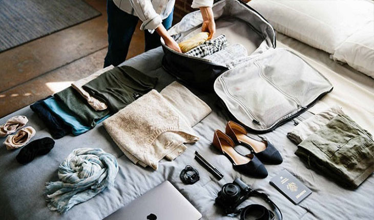 چیزهایی که خانمها باید حتما در سفر با هواپیما همراه داشته باشند