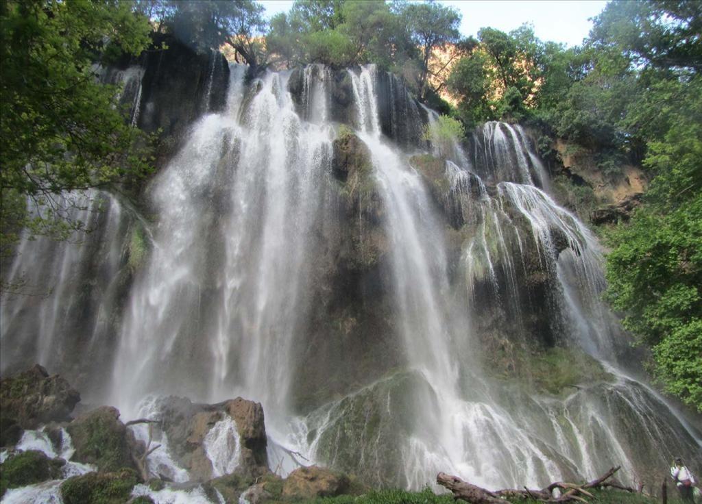 زرد لیمه، آبشار بی نظیر و جذاب چهارمحال و وبختیاری