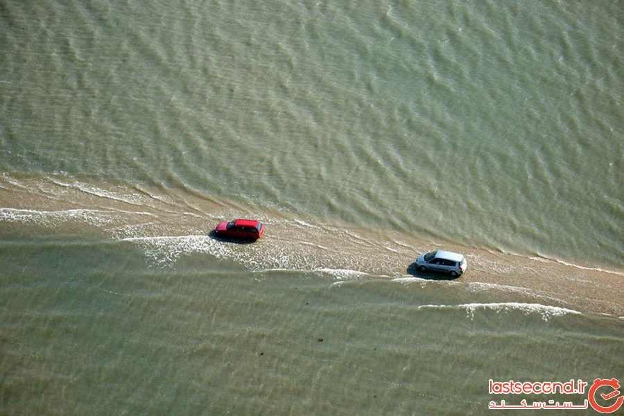 این جاده در فرانسه دوبار در روز زیر آب میرود.