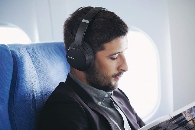 10 وسیلهای که مردان باید برای سفر در کیف دستیشان داشته باشند!