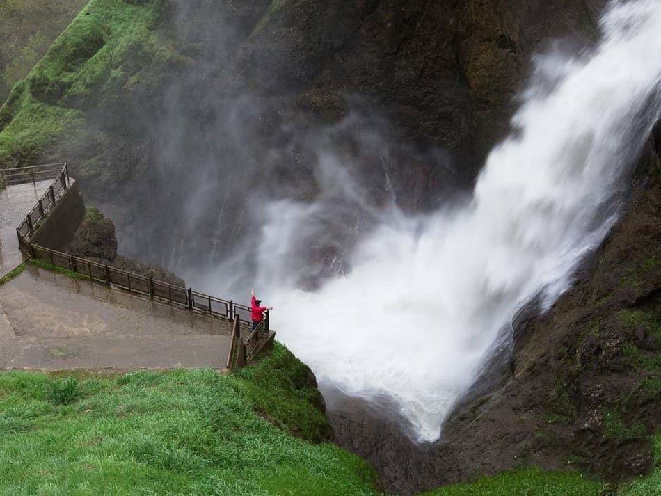 شلماش، آبشار متفاوت و زیبای سردشت