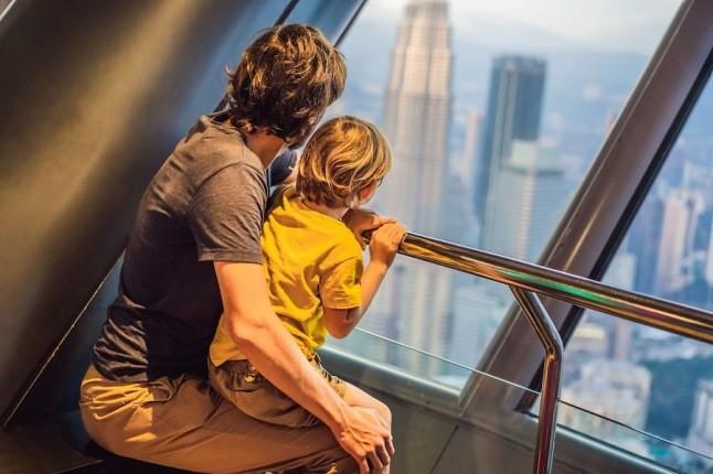 چگونه در سفرهای خانوادگی با کودکانمان، بیشتر خوش بگذرانیم؟