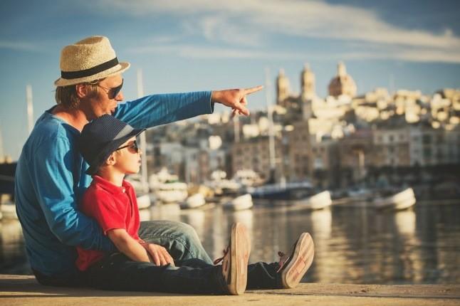 چرا سفر بهترین هدیه ای است که میتوانید به فرزندان خود بدهید؟
