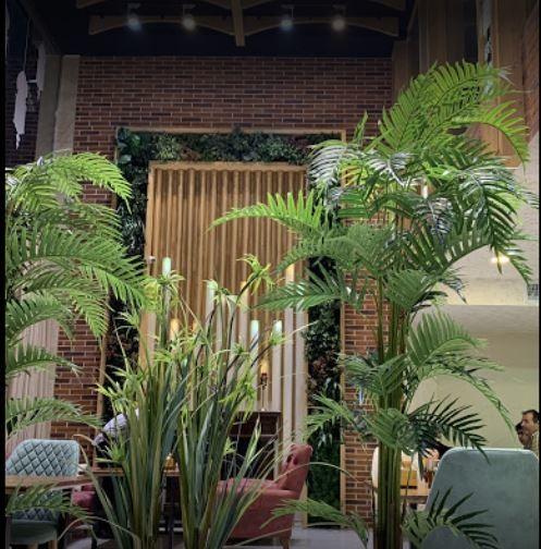 Show Room Restaurant (3).JPG