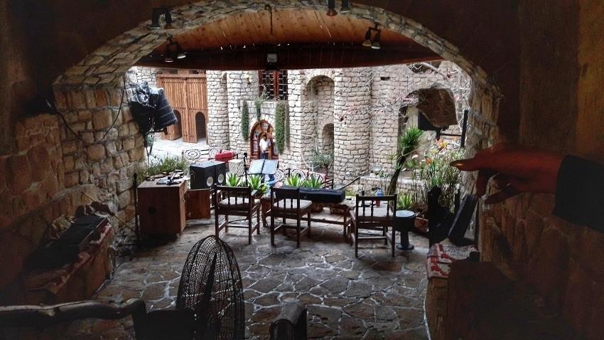 کافه رستوران کاریز