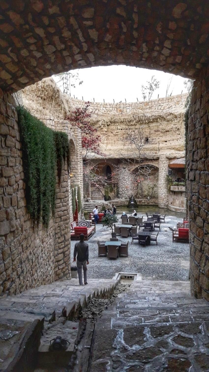 Kariz Restaurant Cafe  (3).jpeg