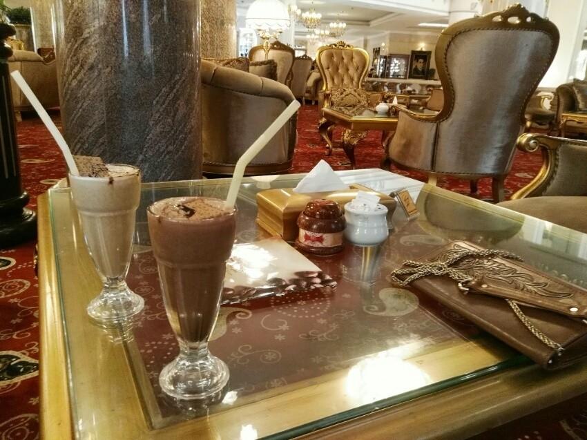 کافه هتل قصر طلایی