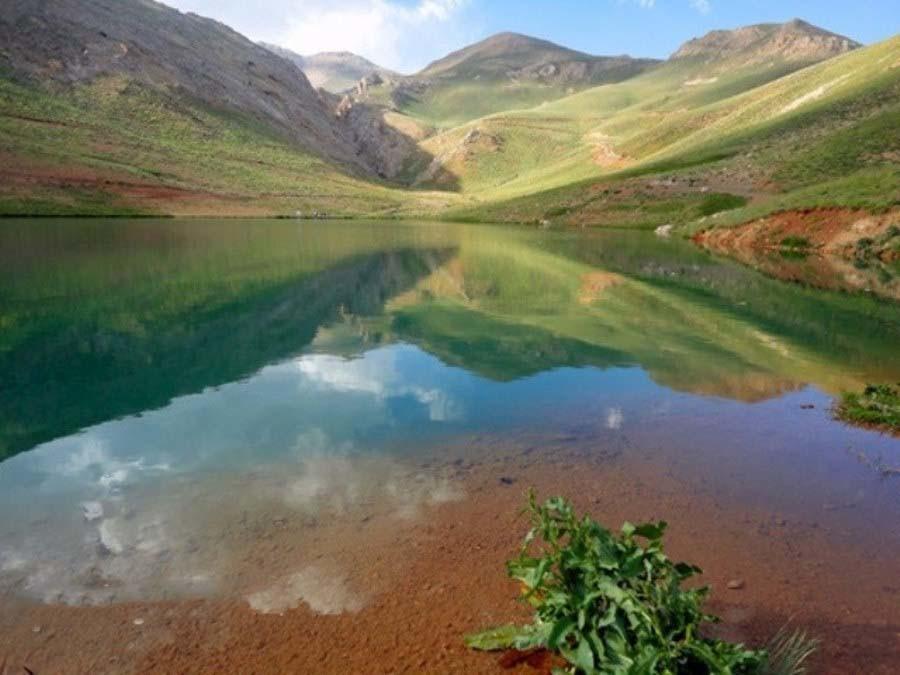 دریاچه لزور، معجزه ی چشمه ی بخش ارجمند در روستای لزور