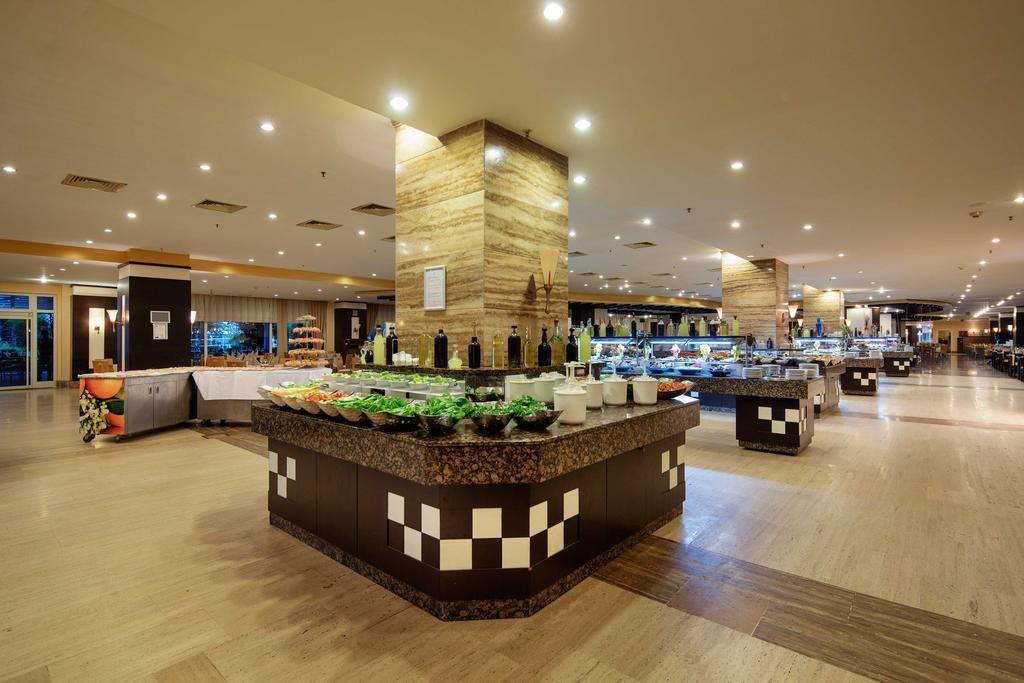 Crystal Admiral Resort Suites & Spa (6).jpg