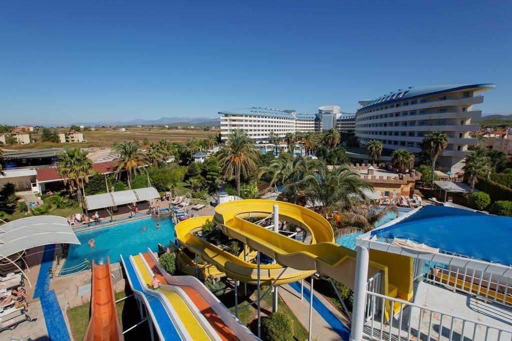 Crystal Admiral Resort Suites & Spa (18).jpg