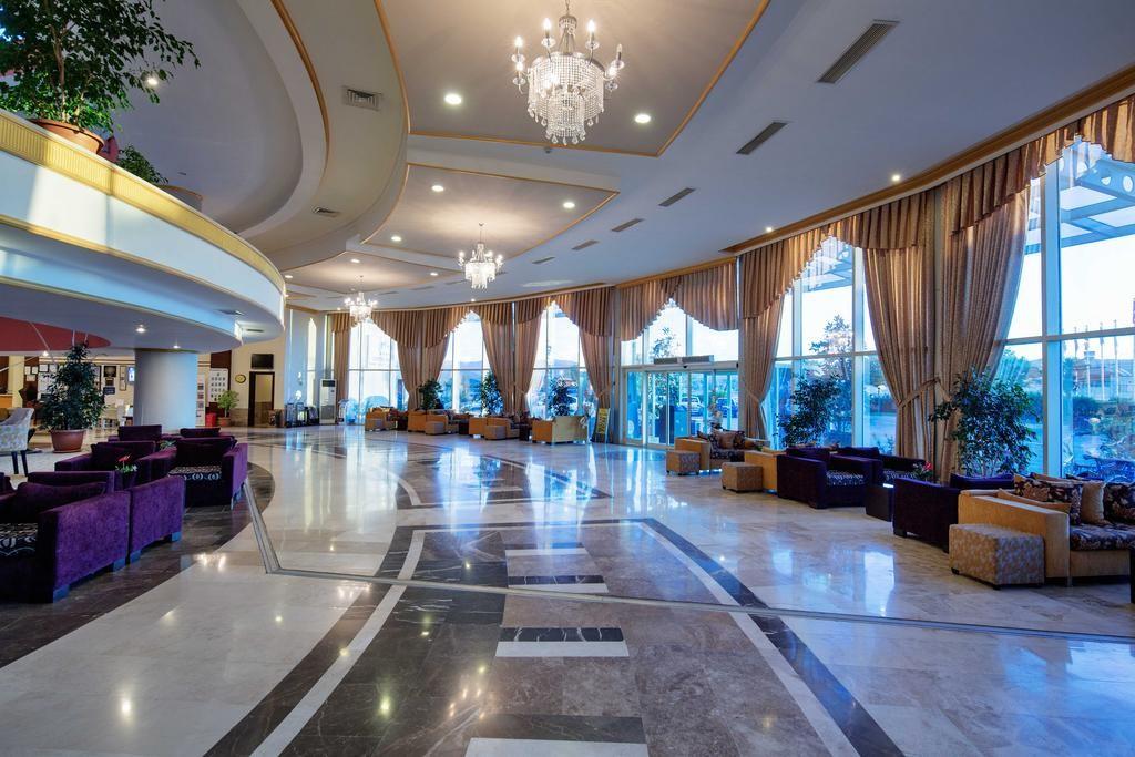 Crystal Admiral Resort Suites & Spa (17).jpg