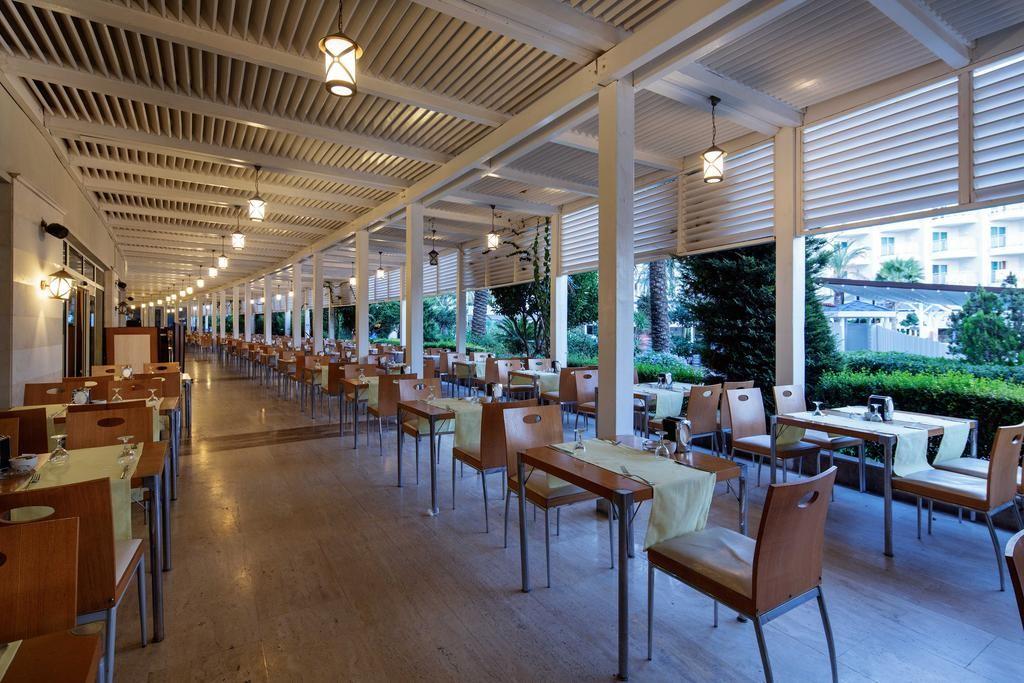 Crystal Admiral Resort Suites & Spa (14).jpg