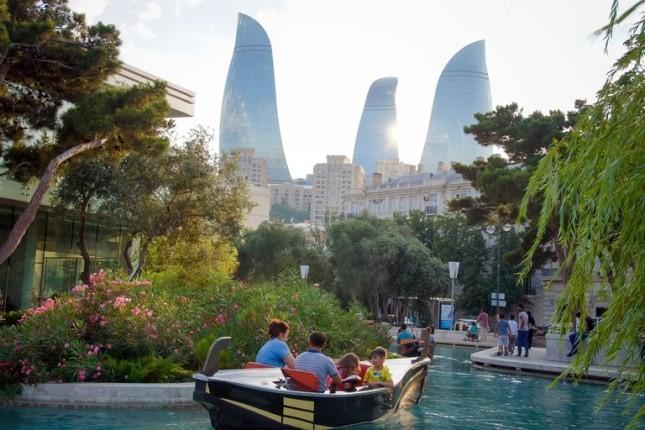 در سفر به باکو، این جاذبه های دوست داشتنی را فراموش نکنید