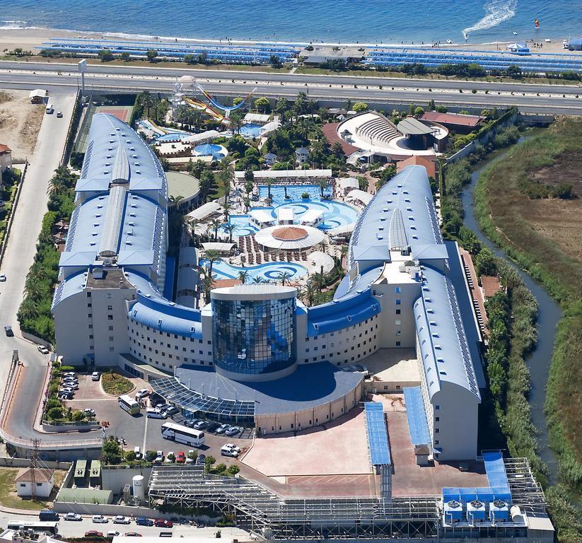 Crystal Admiral Resort Suites & Spa (19).jpg