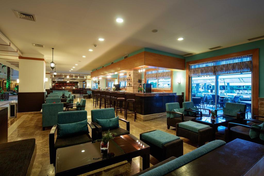 Crystal Admiral Resort Suites & Spa (4).jpg