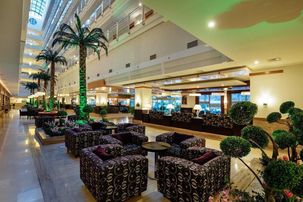 Crystal Admiral Resort Suites & Spa (16).jpg