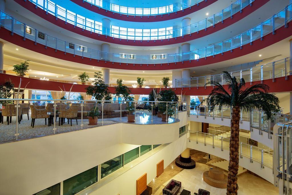 Crystal Admiral Resort Suites & Spa (1).jpg