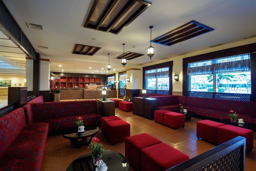 Crystal Admiral Resort Suites & Spa (2).jpg