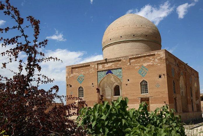 Tomb of Sheykh Amin Aldin Jebreil.jpg