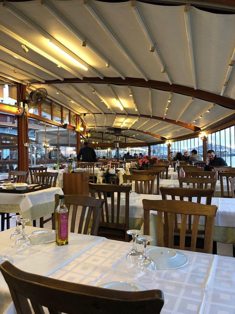 Lido Restaurant - 06.jpg