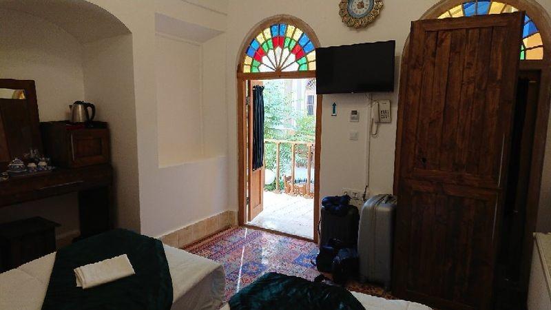 Toranj Residence - 04.jpg