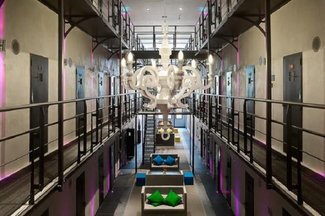 بهترین و عجیب ترین هتل - زندانهای دنیا را بشناسید