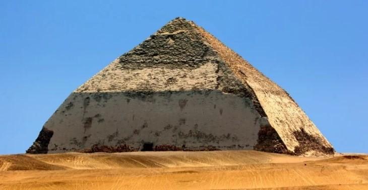 هرم خمیده، عجیبترین هرم مصر، در معرض بازدید عمومی قرار گرفت