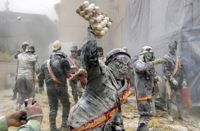 جشنوارههای جنگ غذا در سراسر دنیا که برای جهانگردان جذاب است