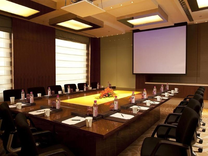 Crowne Plaza Today New Delhi Okhla - 16.jpg
