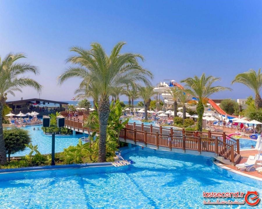 water-park-of-liberty-hotel-1.jpg