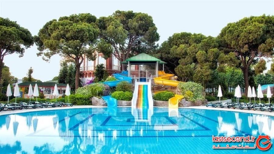 water-park-of-keremlin-hotel.jpg