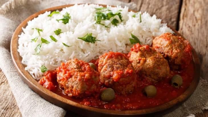 بهترین غذاهای یونانی که می توانید در هرجایی از آنها لذت ببرید