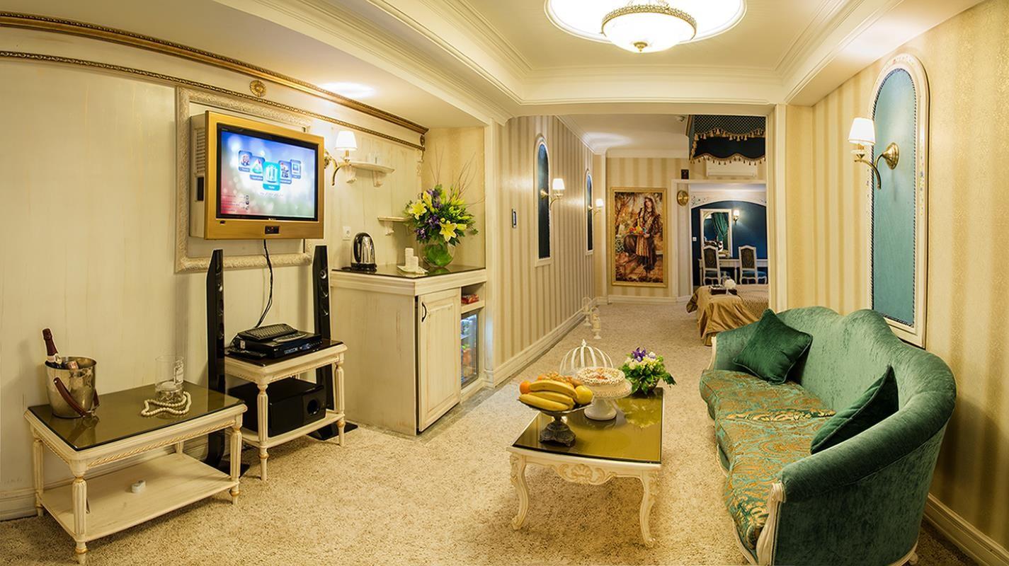هتل بین المللی قصر مشهد (1).png