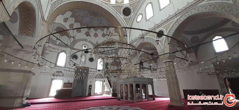 19- نمای داخل مسجد کنار مزار مولانا.jpg