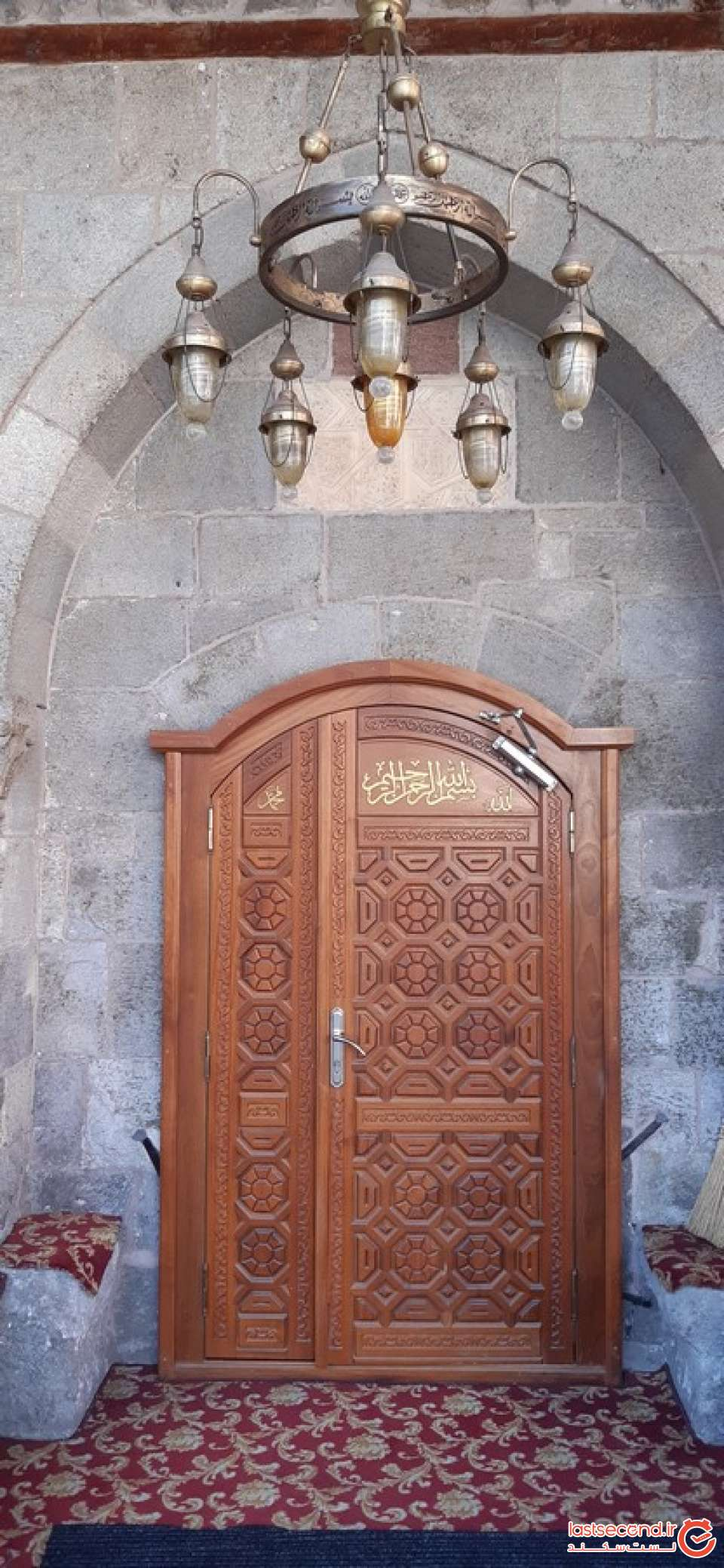 10- ورودی مسجدی در ارزروم.jpg