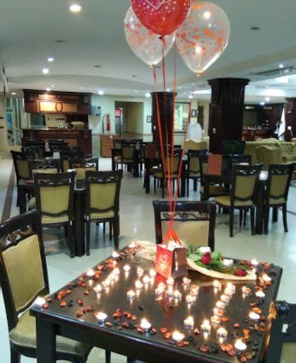 Urmia Park Hotel Restauarant (3).JPG