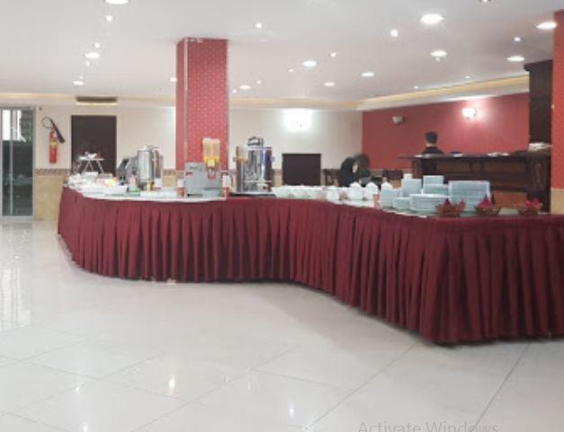 Urmia Park Hotel Restauarant (5).JPG