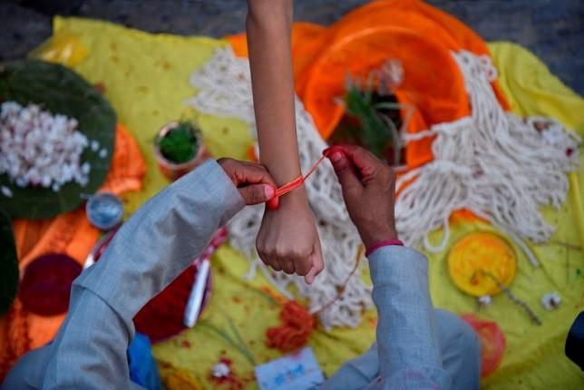 جشنواره مقدس جانای پورنیمای نپال، قداستی به بلندای یک ریسمان!