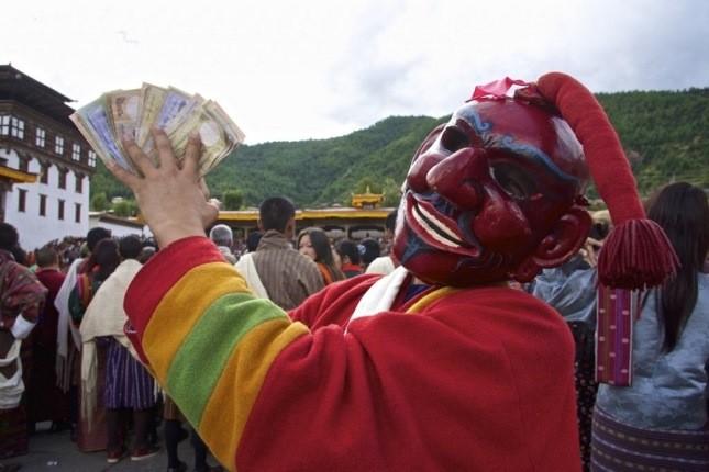 قداستِ نقاب زده، در جشنوارههای عجیب و مقدس کشور بوتان!