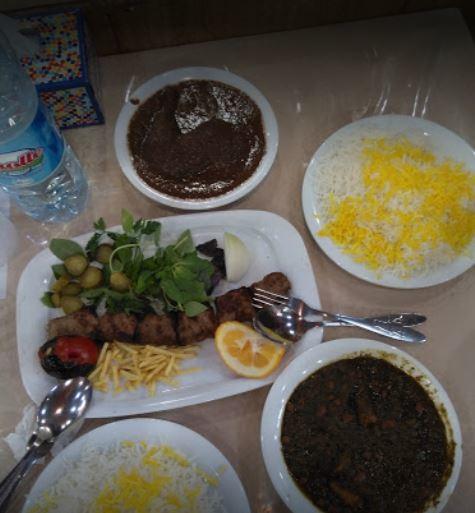Gol Sorkh Restaurant (1).JPG