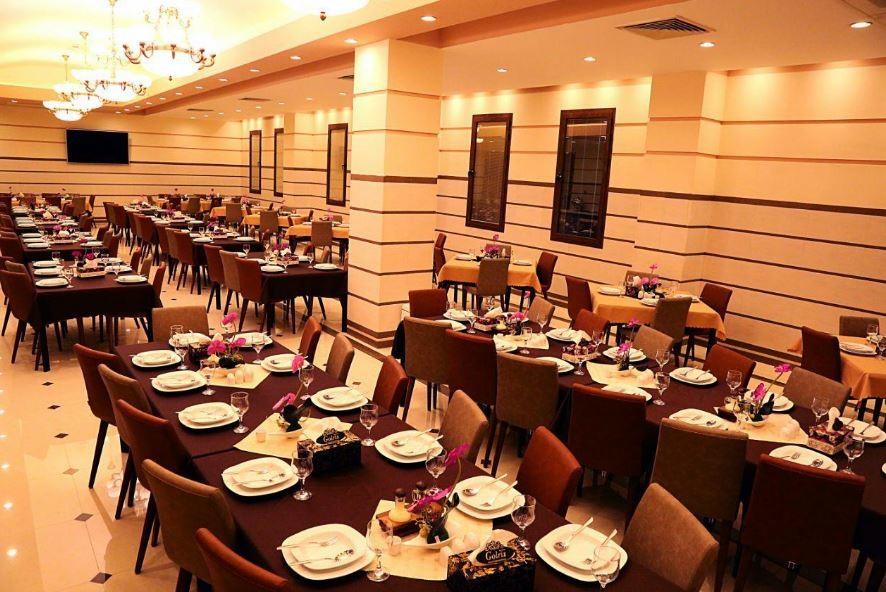 Restaurant of Ghasr-e Jahan hotel
