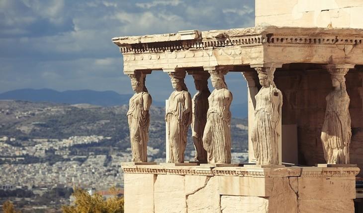 زنانی که به ستون تبدیل شدند؛ آمیختهای از هنر در معماری یونان باستان!