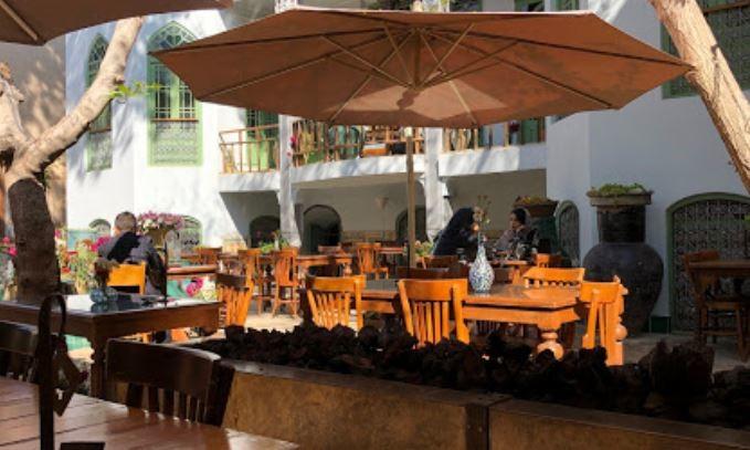 Emarat Namakdan Cafe (2).JPG