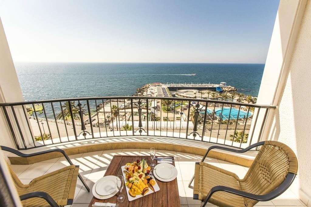 riviera-hotel-beirut (4).jpg