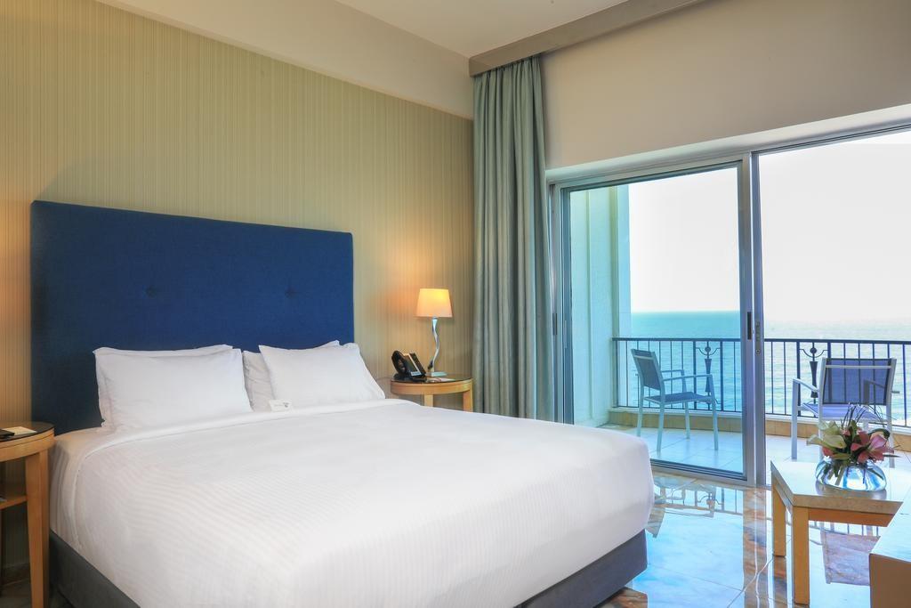 riviera-hotel-beirut (11).jpg