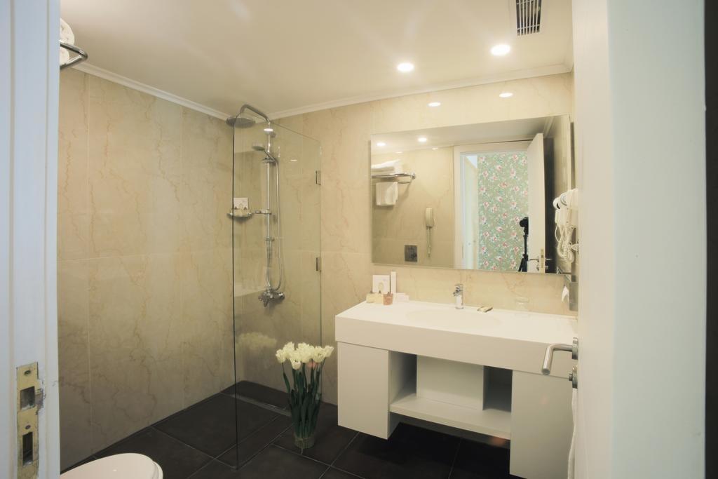 riviera-hotel-beirut (7).jpg