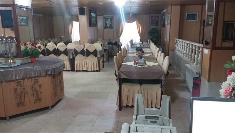 Laleh Hotel Restaurant Abadeh